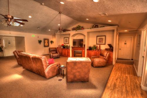 Albuquerque San Pedro Building B Living