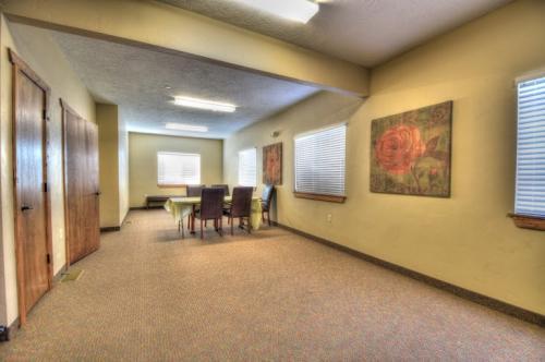Albuquerque San Pedro Building B Hallway